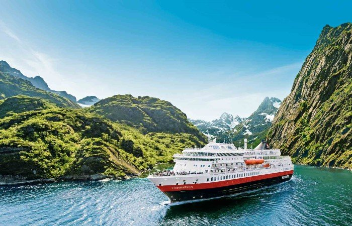 Hurtigruten Norwegian Coastal Voyages - Classic Roundtrip