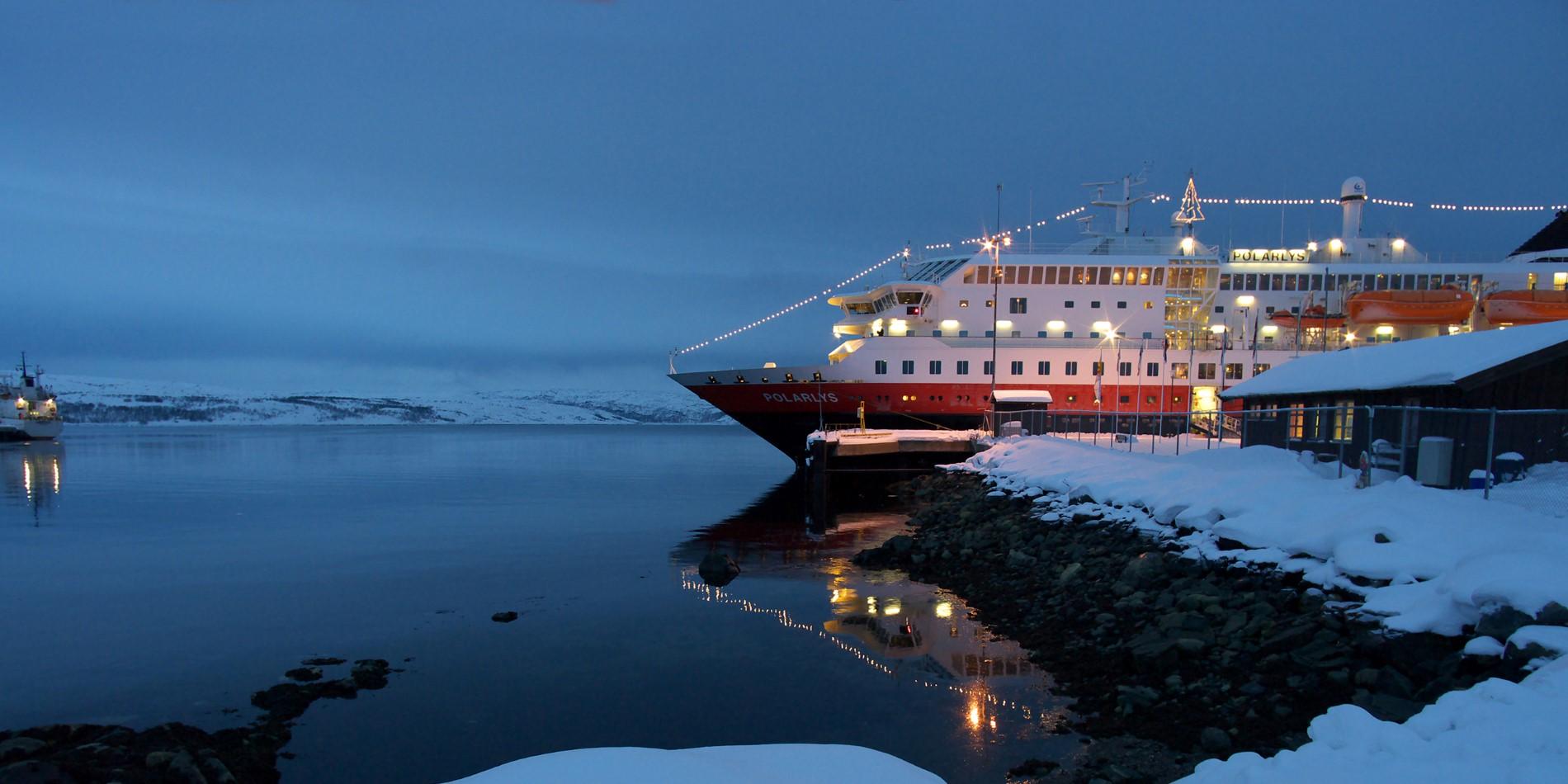 Hurtigruten Norwegian Coastal Voyages - Christmas & New Year\'s in ...