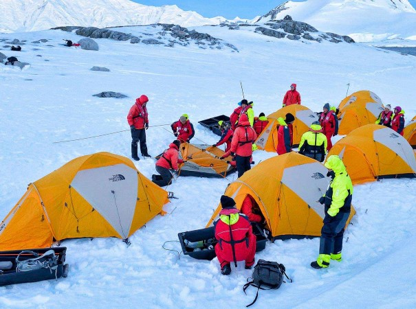 Join the Amundsen night excursion where we spend the night in a tent