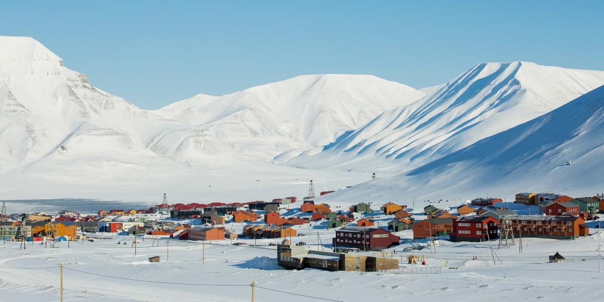 Spitsbergen Excursions A Taste Of Svalbard In