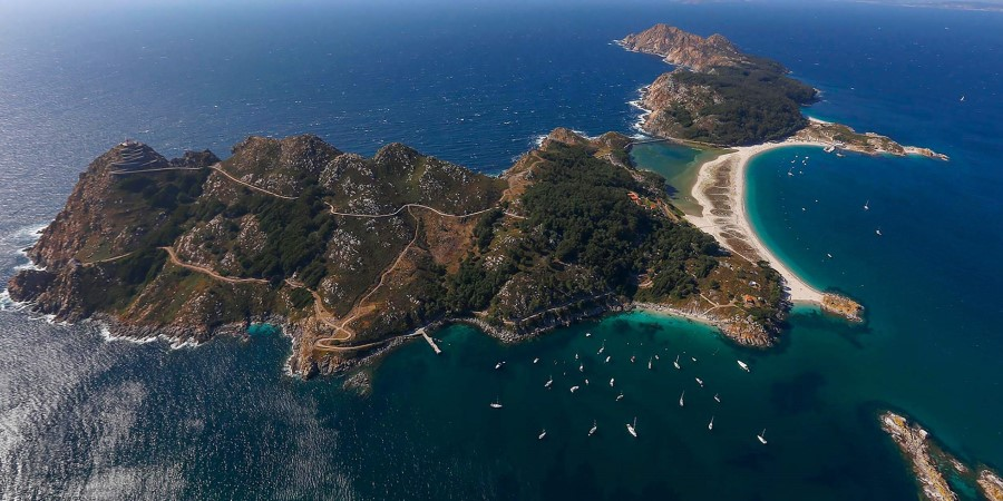 Hiking And Picnic At C 237 Es Islands Europe Excursion