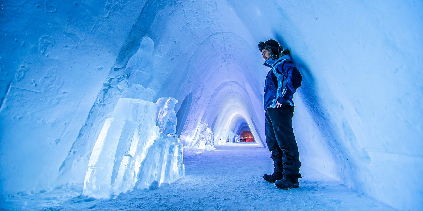 Snow hotel norway 2018 world 39 s best hotels for Kirkenes snow hotel gamme cabins