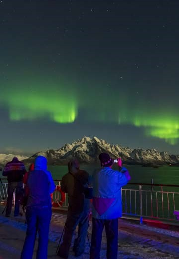 Northern-Lights-Cruise_brochure.jpg