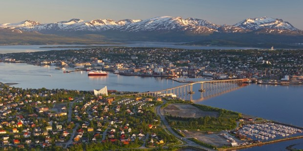 Tromsø is a city with many great attractions, but it is also easy to escape from the metropolis if you seek wilderness.