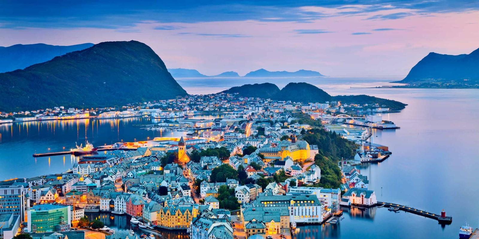 Norway Ports Ålesund Hurtigruten Hurtigruten - Norway map alesund