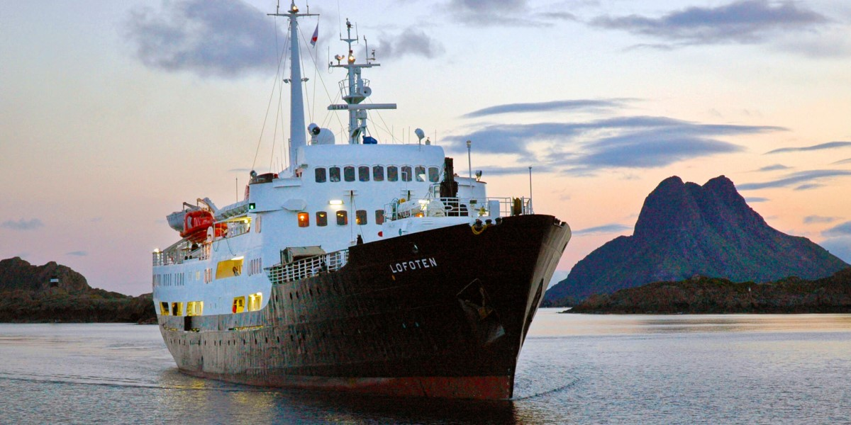 Ms Lofoten Hurtigruten S Ship Hurtigruten Us